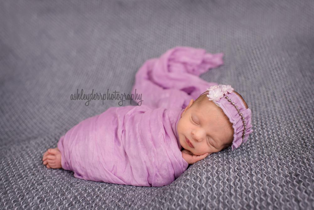 newborn baby photographer pittsburgh
