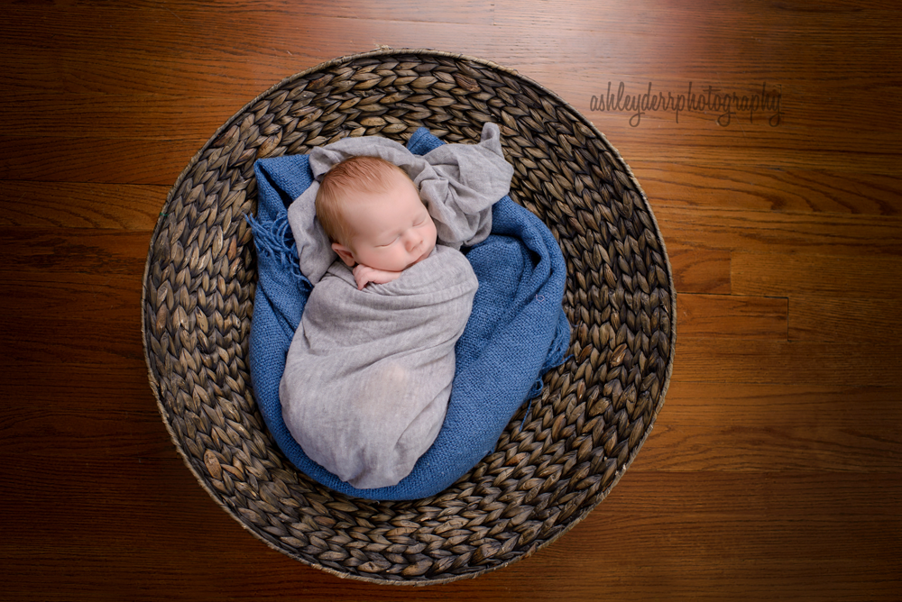 newborn baby photography pose pittsburgh