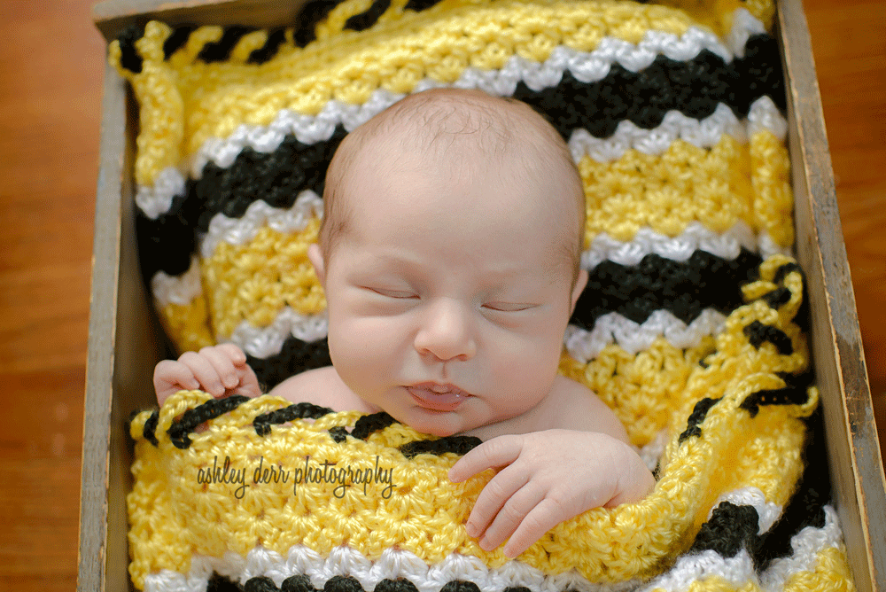 Newborn-Baby-photographer-pittsburgh-1