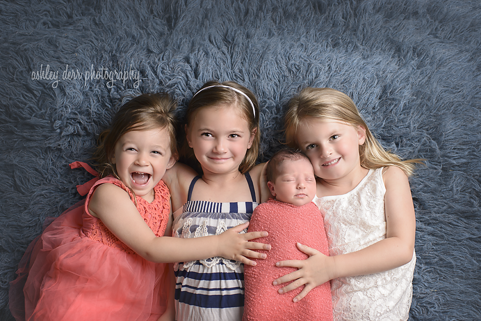sibling newborn pittsburgh infant photographer