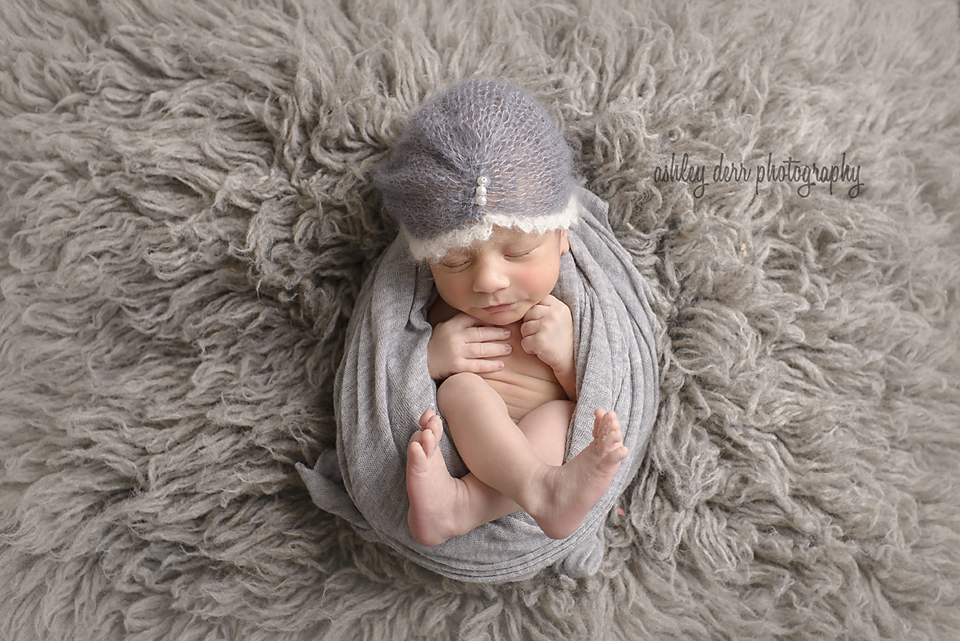 newborn baby photographer in pittsburgh