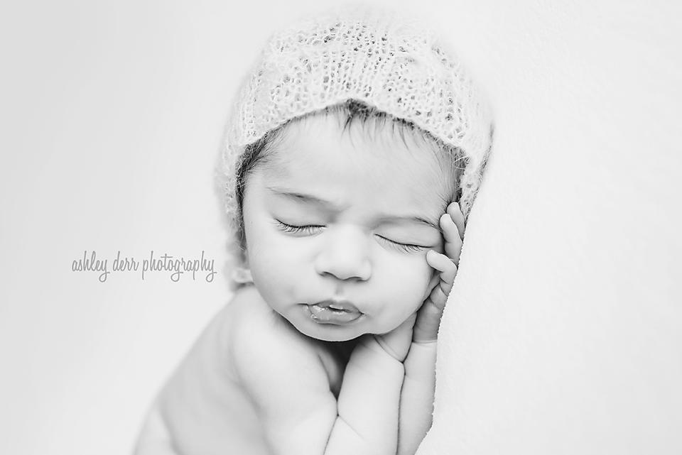 pittsburgh pa newborn baby photographer mini session