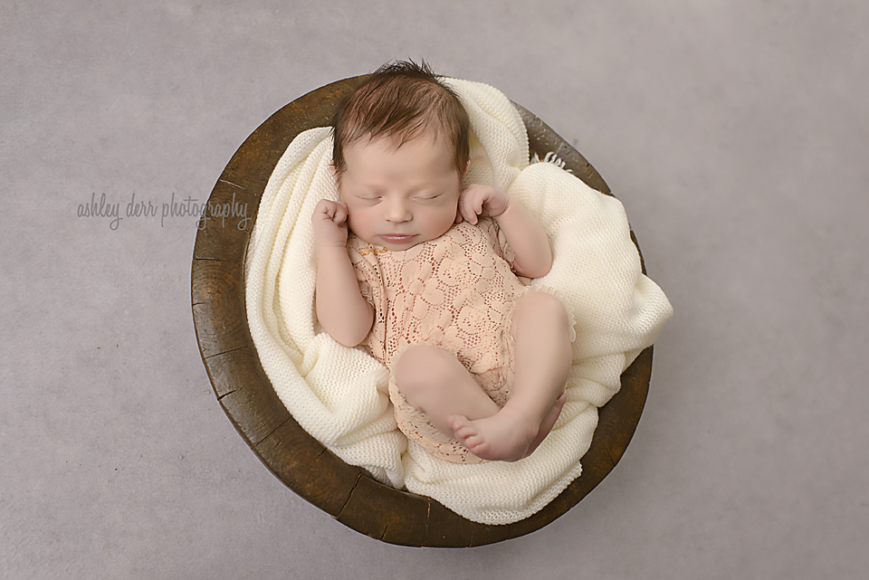 pittsburgh newborn photographer 15025